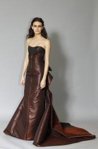 Вечернее платье из кожи 2013 carolina herrera