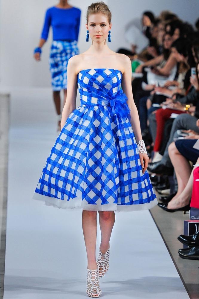 платье в клетку с открытыми руками голубое крупная клетка 2014 2015