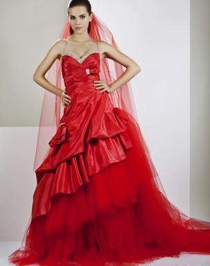 Длинные вечерние платья красного цвета в картинках
