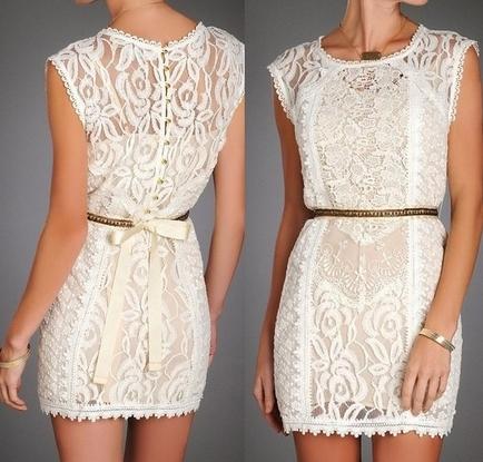 Платья из белого кружева