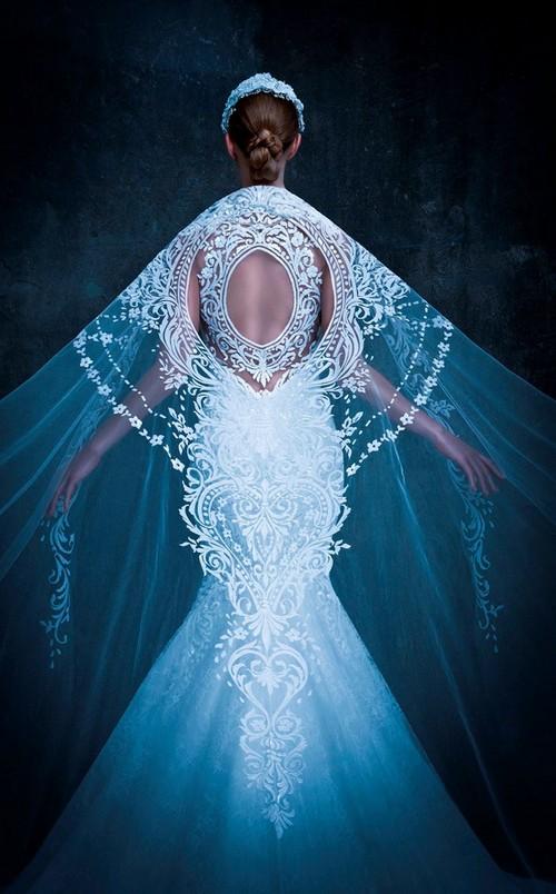 samye-krasivye-platya-2017-00087 ТОП 10 самых красивых платьев в мире: рейтинг на фото